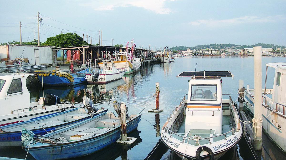 南寮漁港,經由規劃後潔淨沒有魚腥味及柴油味。(楊秋蓮/大紀元)