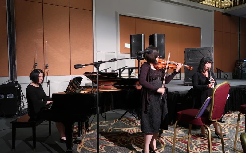 由三位留美音樂家黃令先、詹純甄和王亦凡組成的「狂想三重奏」。(徐綉惠/大紀元)