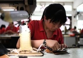 財新PMI與官方數據相背 中國經濟景氣度存疑