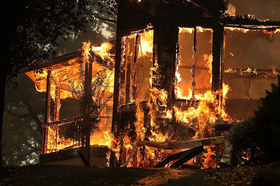 大火焚燒加州著名酒鄉 17死180失蹤