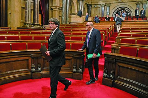 加泰隆尼亞自治區領導人宣布暫時擱置獨立,尋求對話。(AFP)