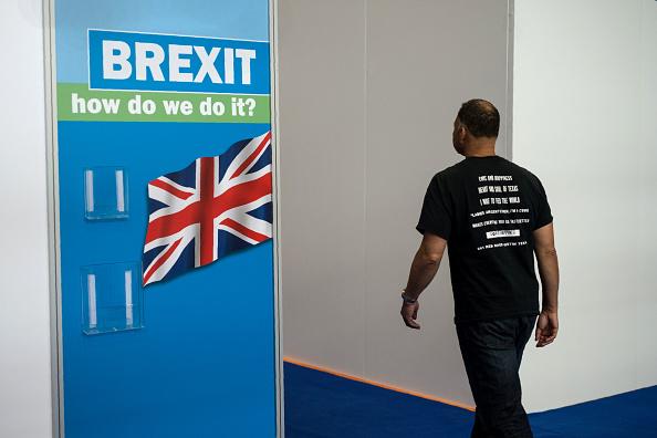 英國認為該做的已經都做了,就在等歐盟的决定了。(OLI SCARFF/AFP/Getty Images)
