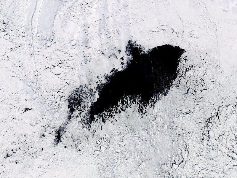 南極神秘巨洞四十年後再現 科學界未解之謎