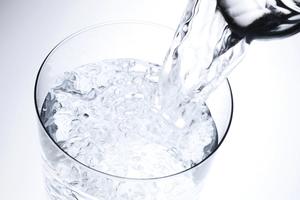 早晨別喝這4種水