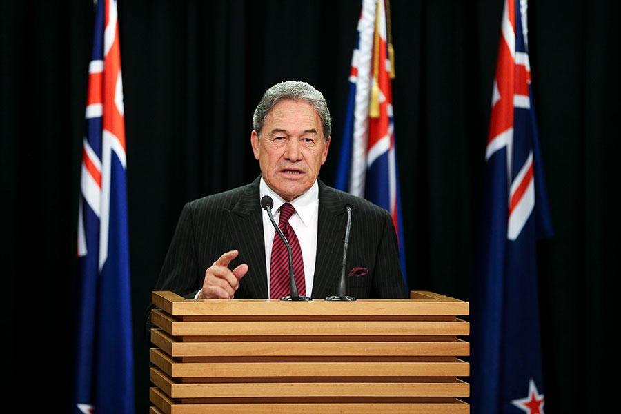 新西蘭優先黨黨魁彼得斯於今年9月在新聞發佈會上。(Hagen Hopkins/Getty Images)