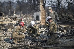 加州大火毀十英里美景釀四十死 但曙光已現