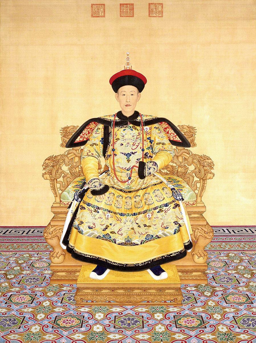 清‧郎世寧繪《清高宗乾隆帝朝服像》。(Wikipedia)