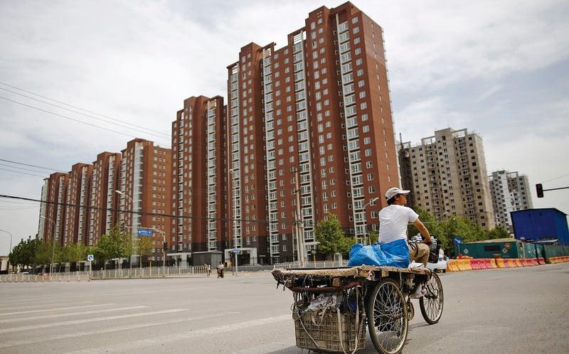 在中國,土地使用權通常為70年,關於「70年使用權到期後房子怎麼辦這個問題」儘管一度成為社會關注的熱點,可至今也沒有確切的答案。(網絡圖片)
