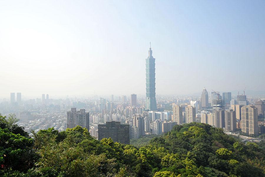 北京和香港之間1月浮現新的摩擦,令許多香港人心懷恐懼,台灣預計將再迎接來自香港的新一波移民潮。圖為台北101。(Mandy Cheng/AFP/Getty Images)