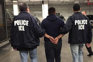 美加強職業移民執法 驅逐非法外勞起訴僱主