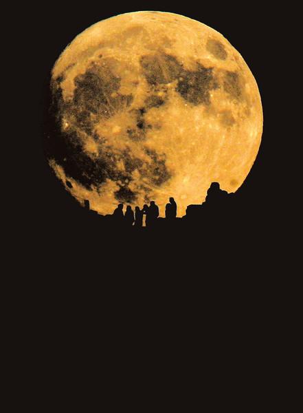 月亮 是史前人造的