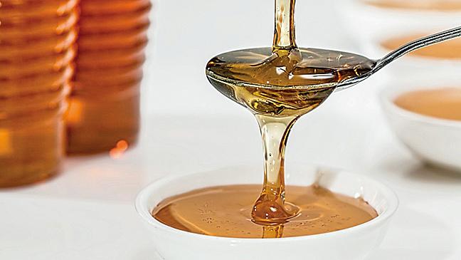 全球75% 的蜂蜜都發現殘留有蜜蜂身上的殺蟲劑-新菸鹼類(neonicotinoids),廣泛程度令人吃驚。(網絡圖片)