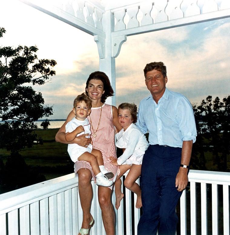甘迺迪總統一家。(維基百科)