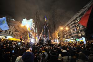 波蘭清除共產雕像 補償被共產黨霸佔財產