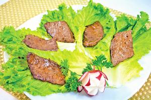 【梁廚美食】燒汁煎雪花松坂牛肉
