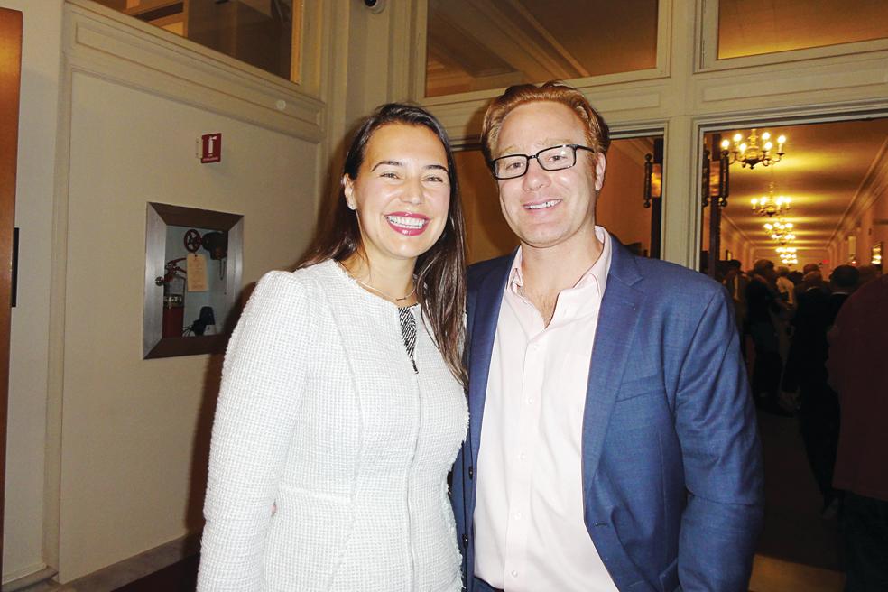 1. Nina Resetkova醫生女士和企業家Adam Ray先生。(蘇菲/大紀元)
