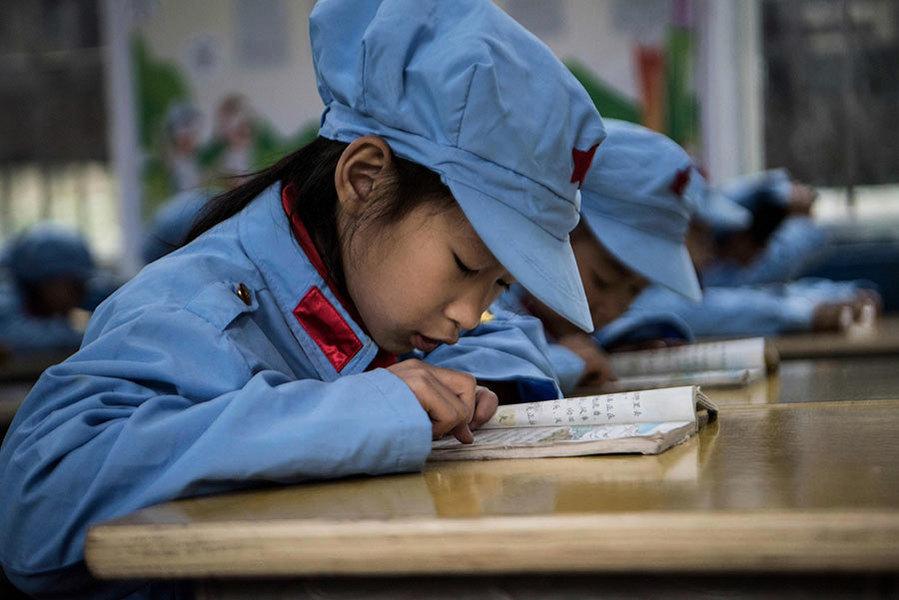 大陸網民討論教育與洗腦的區別 暗示不滿