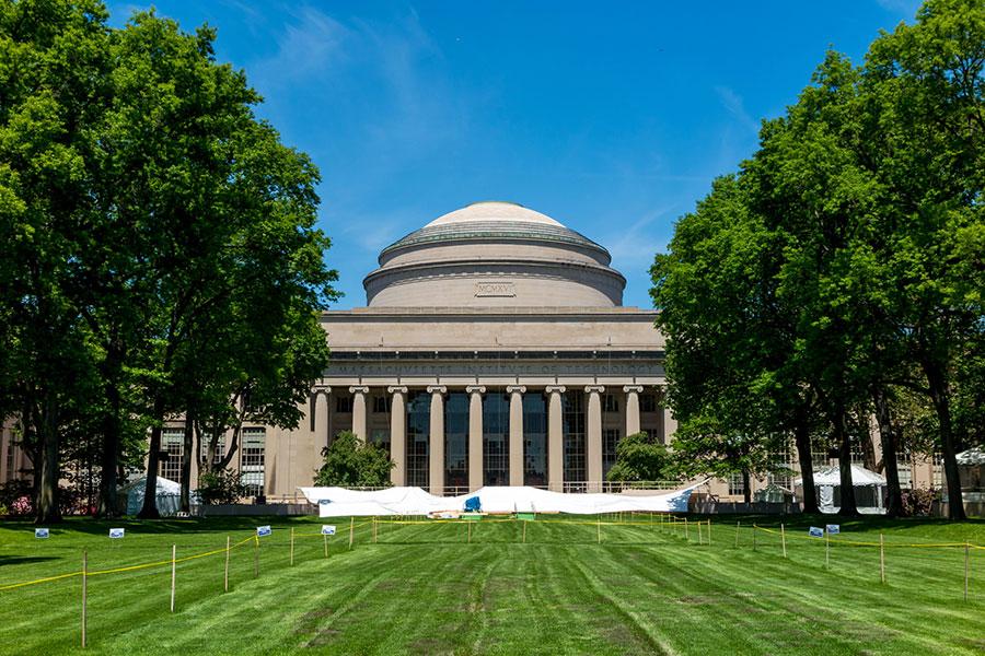 《美國新聞與世界報導》發佈2018年全球最佳大學排行中,麻省理工學院位居第二名。(Fotolia)