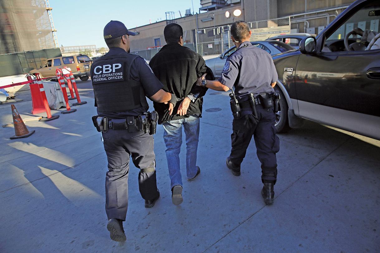 2017年自美墨邊境非法入境的人數將降到45年來低點,CBP代理局長將此歸功於總統特朗普的移民政策。(Getty Images)