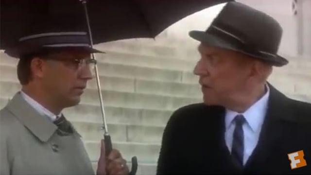 美媒報道,一部1991年的奧斯卡獲獎影片促使政府提早向公眾發佈前總統甘迺迪遇刺調查的3,000多份機密文件。(視像擷圖)