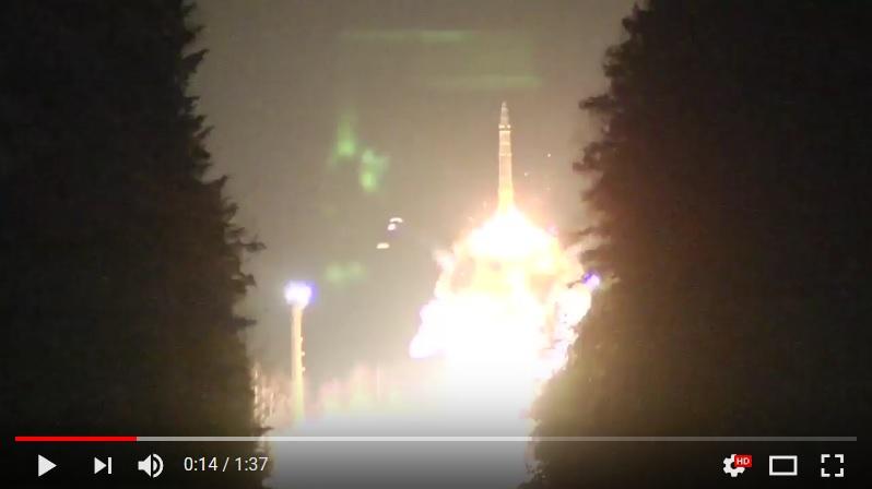 俄羅斯軍方於10月26日進行多次導彈試射,其中包括一枚巨型長程導彈「撒旦2號」。(視像擷圖)