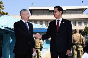 首訪兩韓邊境 美防長提解決朝核危機方法