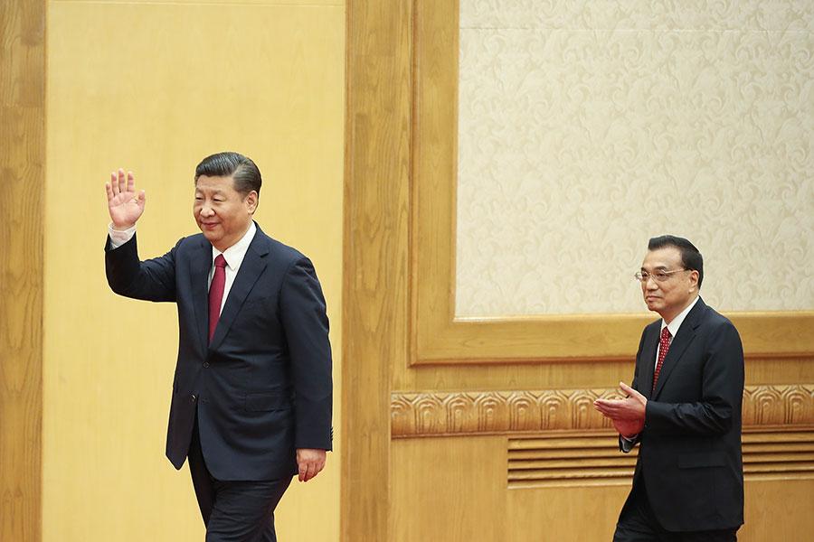 中共十九大落幕後,外界高度矚目的常委人選終於現身,裏面沒有習近平的接班人。(Lintao Zhang/Getty Images)