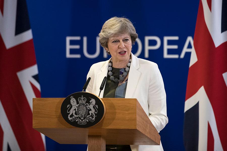 圖為英國首相文翠珊上周在出席布魯塞爾的歐洲理事會後舉行新聞新聞發佈會。(Dan Kitwood/Getty Images)