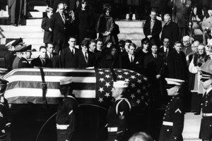 甘迺迪遇刺前 英媒接神秘電話:要發生大事