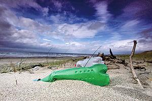 塑料危害海洋 人類必須採取措施