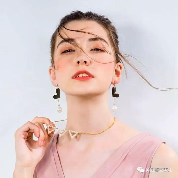 俄羅斯14歲女孩Vlada在中國做模特兒期間突然死亡。(微信)