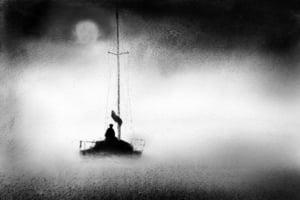 霧海夜航—-跳江自殺的巨星石揮