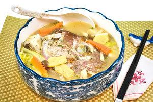 【梁廚美食】日式味噌鯛魚頭湯