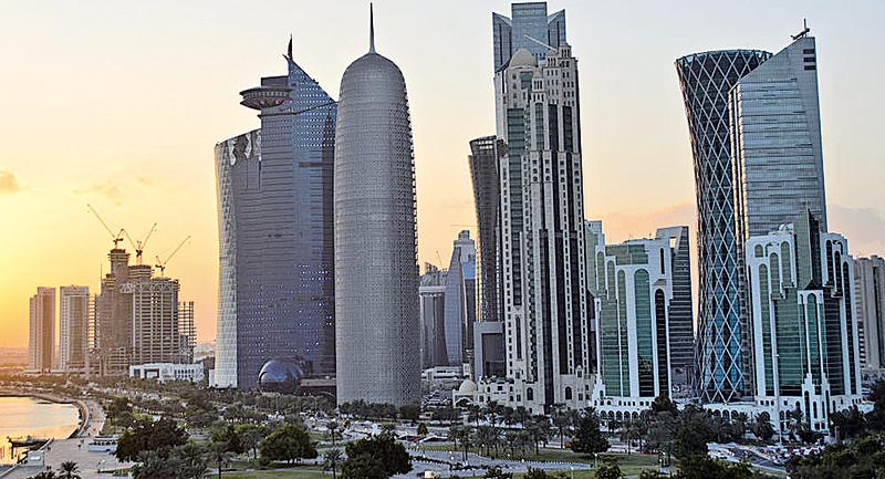 面對油價下跌的局面,4月17日,供應量合計佔全球總供應量幾乎一半的16個產油國,在多哈就原油凍產進行磋商,結果存在嚴重分歧,未達成協議。圖為卡塔爾首都多哈。(網絡圖片)