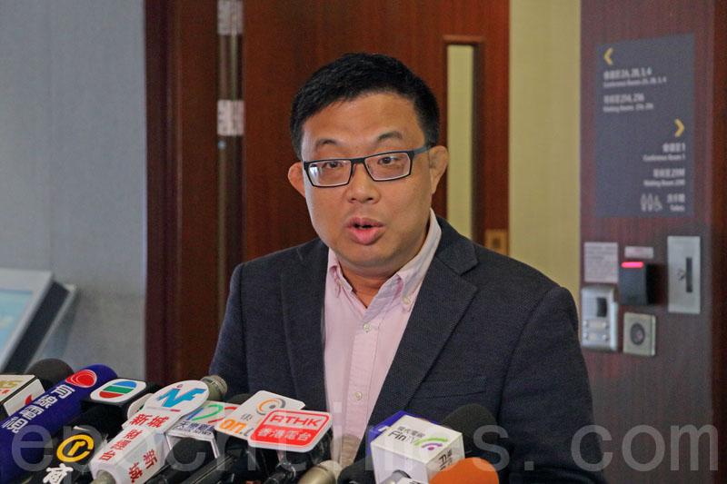 涂謹申認為在一國兩制下,香港實施《國歌法》時要適應本地情況,經過詳細審議。他又強調反對設有追溯期,否則將違反普通法。(蔡雯文/大紀元)