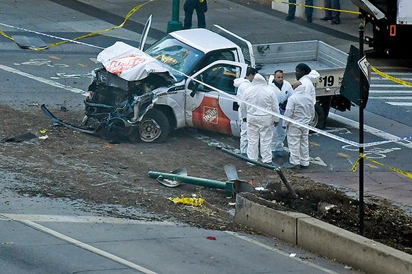 星期二發生在曼克頓的貨車撞人恐襲造成8人死亡,超過10人受傷。(Getty Images)