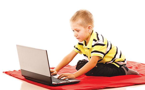 在東西方國家,少年兒童在電子設備上花費過多時間的情況正在加劇,不論是華人父母、還是西人父母,對目前這種趨勢都非常擔憂。(Fotolia)