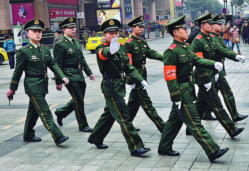 中共武警部隊過去被江派大員周永康把持時,被指差點淪為「陰謀篡黨奪權」的工具。(Getty Images)