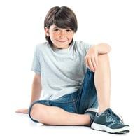 如何幫助害羞的孩子 (1)