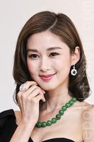 岑麗香首戴3.2億元鑽戒直言很緊張