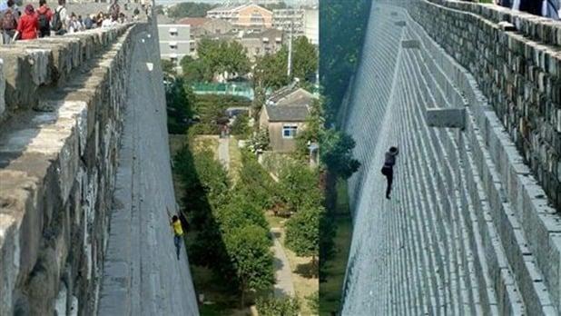 日前,日本網民在推特上曬出幾張照片,指中國大媽為逃票爬長城,陸媒稱此是南京城牆的舊照。但舊照也疑涉逃票,網民熱議。圖為推特相關圖片。(網絡圖片)