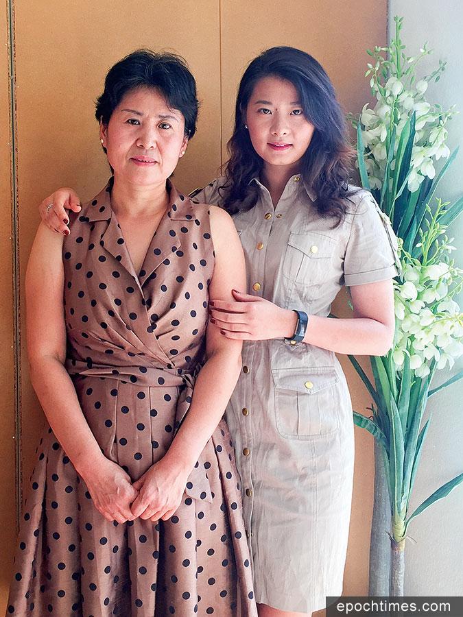 高智晟的夫人耿和(左)和女兒耿格在三藩市灣區接受大紀元新唐人聯合採訪。(大紀元)