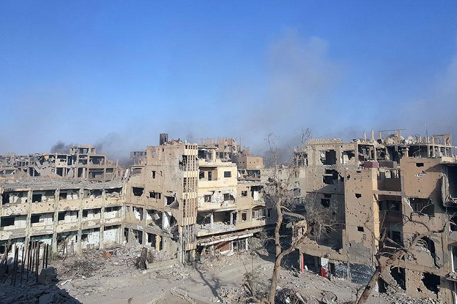 敘利亞政府軍周五也宣佈,已收復伊斯蘭國的最後主要據點、東部大城代爾祖爾市(Deir al-Zor)。(STRINGER/AFP/Getty Images)