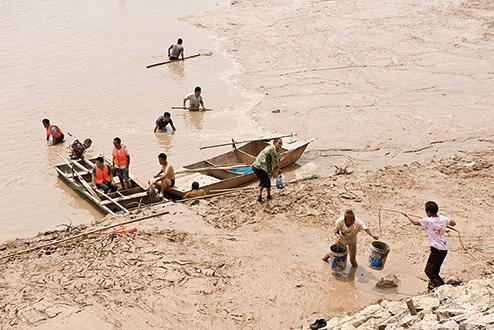 大陸媒體報道黃河水清 專家:理論上黃河正在死去