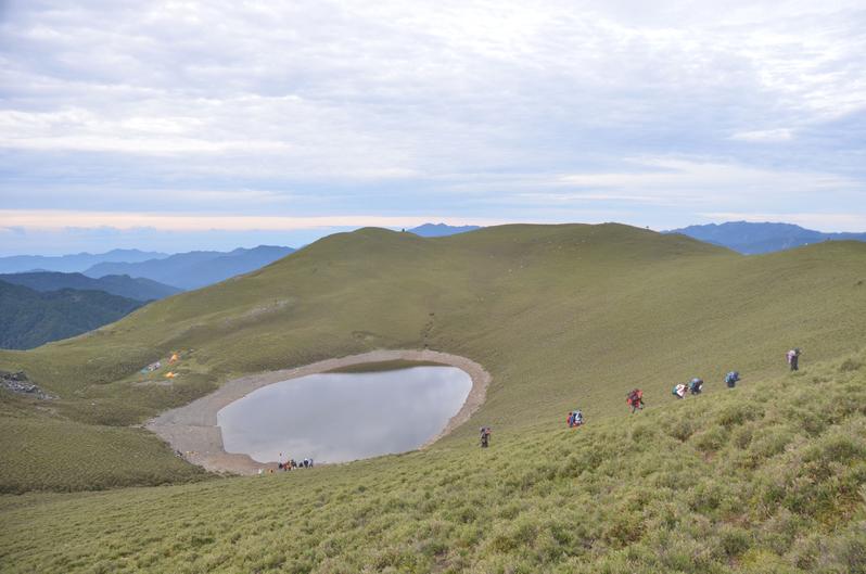 台灣海拔3,300米的嘉明湖。(中央社檔案照片)