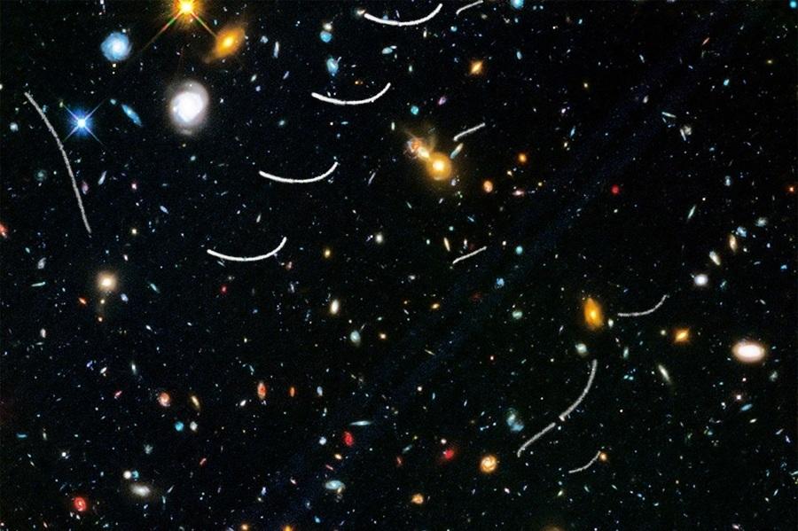 小行星成群闖入哈勃觀測視野 科學家驚喜
