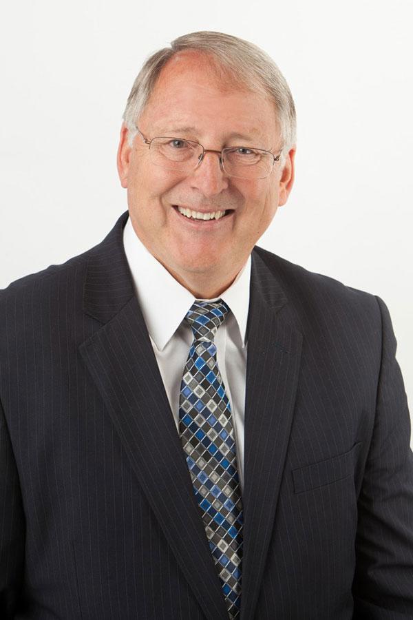 龐韜文(Lee Boam),現任猶他大學(University of Utah)大衡・艾可利斯商學院副教授,在中國有八年外交與商業經驗。(David Eccles School of Business, the University of Utah)