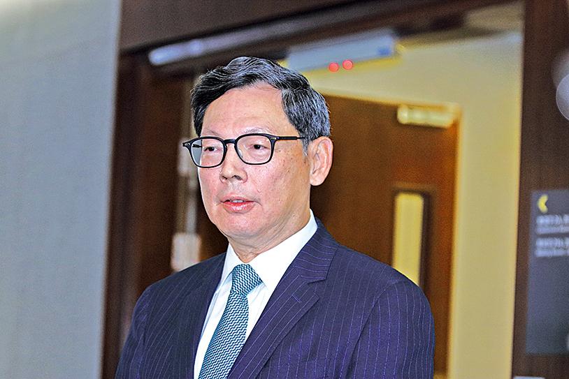 陳德霖表示,外匯基金首三季投資收入合共1,898億元,再創新高,其中第3季投資收益為536億元。(蔡雯文/大紀元)