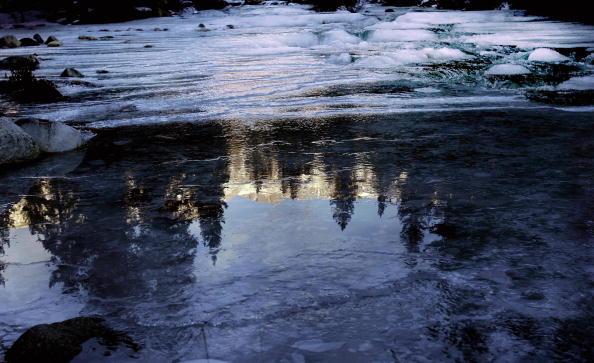水面結冰。(AFP/Getty Images)