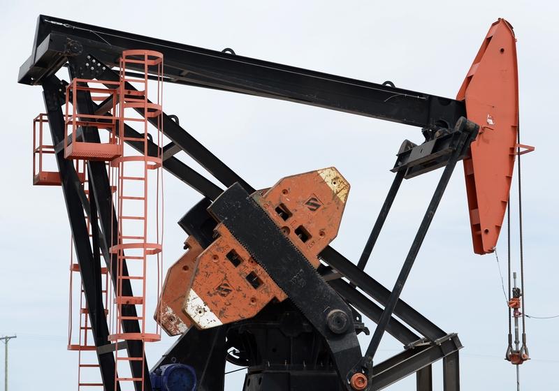 西德州原油和布蘭特原油期貨11月6日因沙特掀起反腐風暴而分別站上每桶57美元和64美元,創下2015年7月以來的兩年多最高價。(JUAN MABROMATA/AFP/Getty Images)